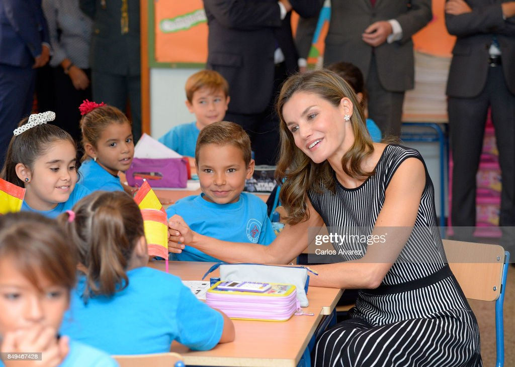 queen-letizia-of-spain-attends-the-opening-of-the-20172018-course-at-picture-id849467428