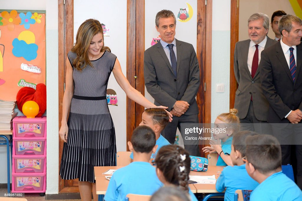 queen-letizia-of-spain-attends-the-opening-of-the-20172018-course-at-picture-id849467450