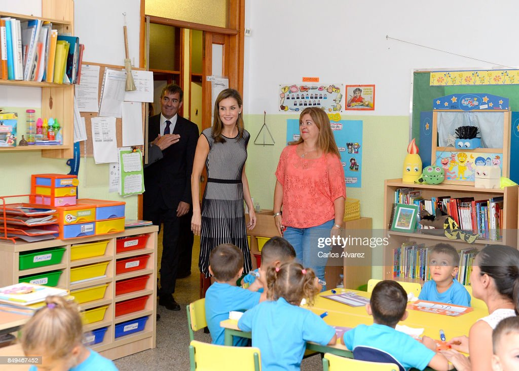 queen-letizia-of-spain-attends-the-opening-of-the-20172018-course-at-picture-id849467452