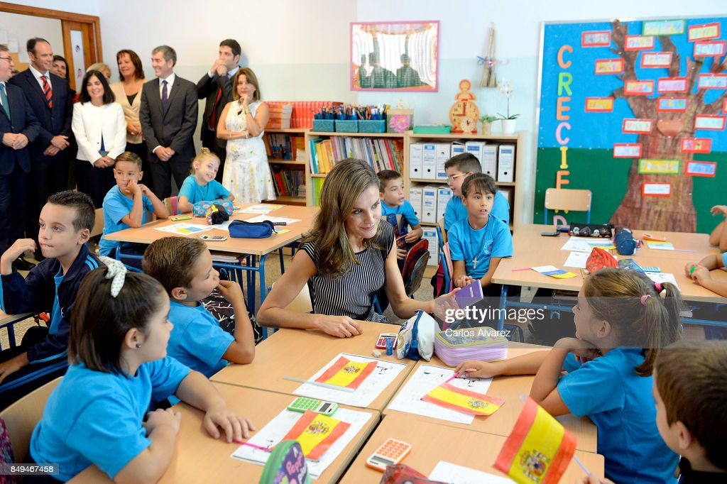 queen-letizia-of-spain-attends-the-opening-of-the-20172018-course-at-picture-id849467458