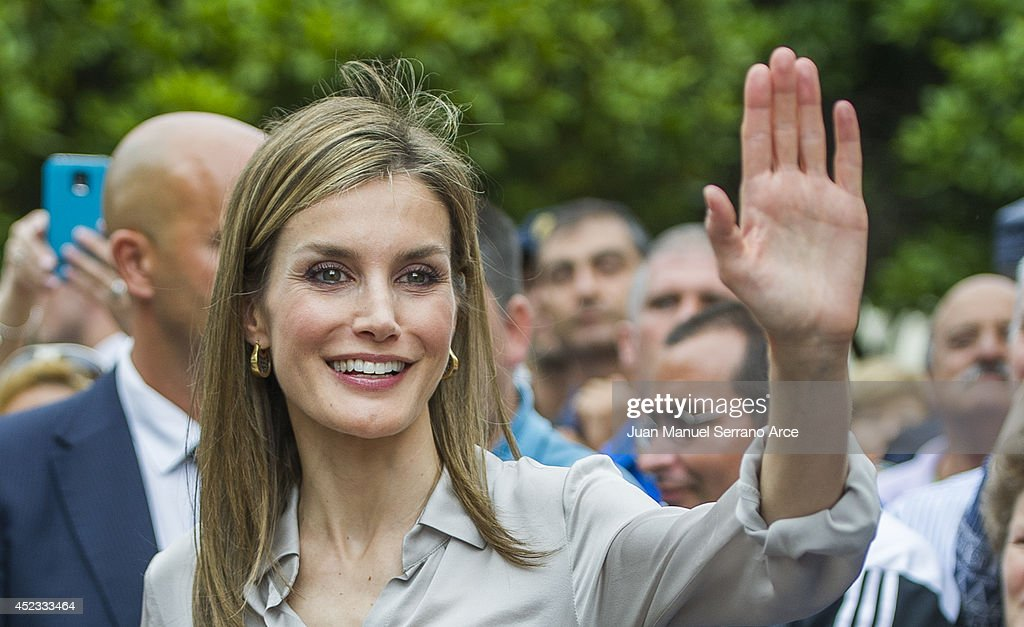 Queen <a gi-track='captionPersonalityLinkClicked' href=/galleries/search?phrase=Letizia+of+Spain&family=editorial&specificpeople=158373 ng-click='$event.stopPropagation()'>Letizia of Spain</a> attends the opening of the International Music School Summer Courses by Prince of Asturias Foundation at on July 18, 2014 in Oviedo, Spain.