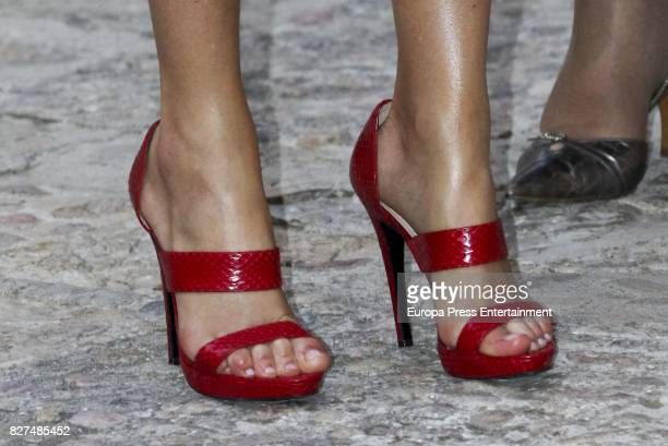 Queen Letizia of Spain Magrit shoes detail attends a dinner for authorities at the Almudaina Palace on August 4 2017 in Palma de Mallorca Spain