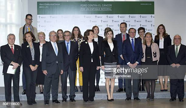 Queen Letizia of Spain poses for a group picture at the 'Por Un Enfoque Integral' Forum Against Cancer at the AECC on February 3 2016 in Madrid Spain
