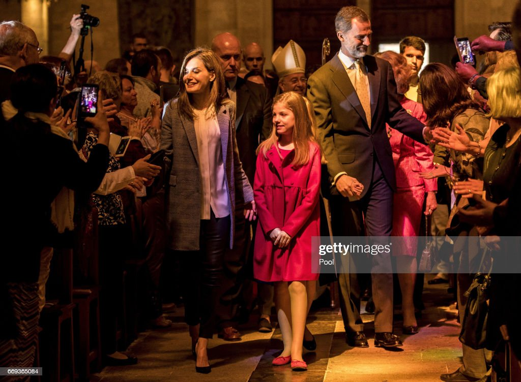 Queen Letizia of Spain, Princess Sofia and King Felipe of Spain attend the Easter Mass at the Cathedral of Palma de Mallorca on April 16, 2017 in Palma de Mallorca, Spain.