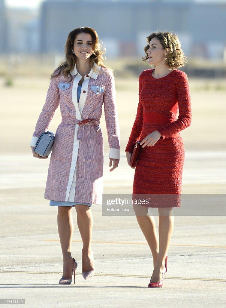 Queen Letizia of Spain receives Queen Rania of Jordan at Barajas Airport on November 19 2015 in Madrid Spain