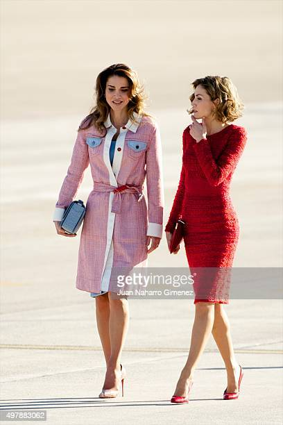 Queen Letizia of Spain receives Queen Rania of Jordan at Barajas Airport on November 19 2015 in Madrid Spain
