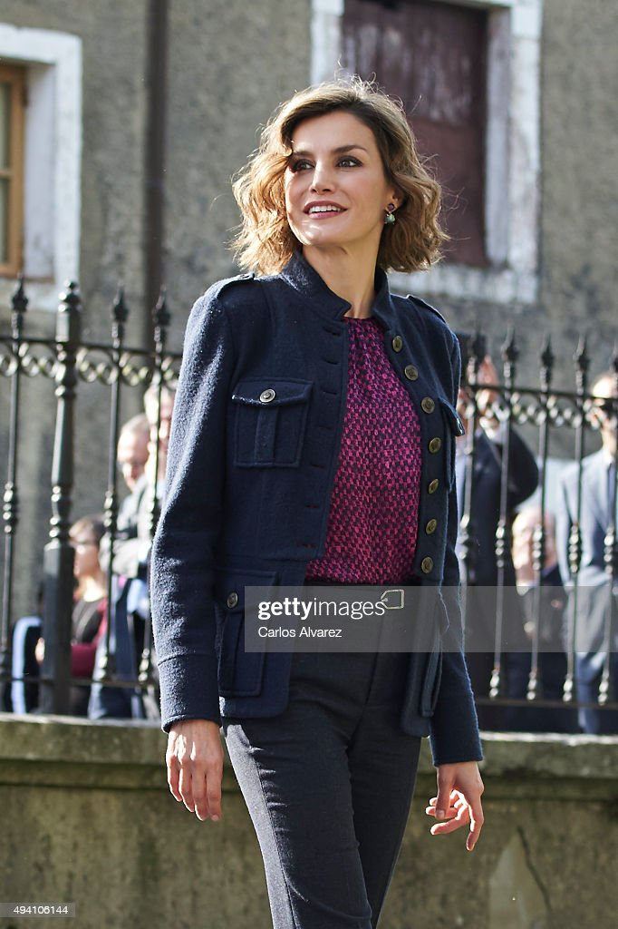 Queen Letizia of Spain visits 2015 Exemplary Town of Colombres on October 24 2015 in Colombres Spain The village of Colombres was honoured as the...