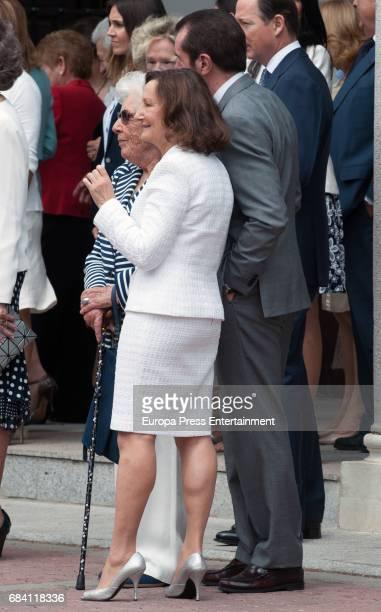 Queen Letizia's mother Paloma Rocasolano Queen Letizia's father Jesus Ortiz and Queen Letizia's grandmother Menchu Alvarez del Valle attend the First...
