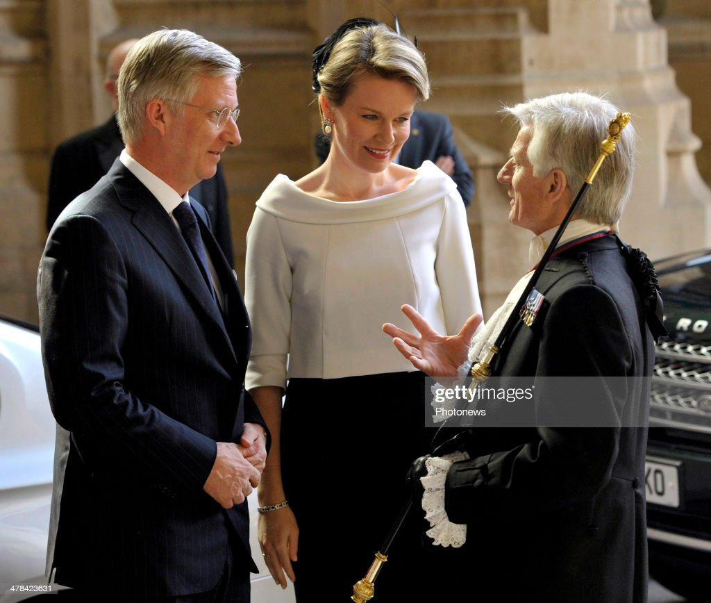 Queen Mathilde and King <a gi-track='captionPersonalityLinkClicked' href=/galleries/search?phrase=Philippe+of+Belgium&family=editorial&specificpeople=160209 ng-click='$event.stopPropagation()'>Philippe of Belgium</a> arrive at Buckingham Palace during an official visit to London on March 13, 2014 in London, England. King Philippe and <a gi-track='captionPersonalityLinkClicked' href=/galleries/search?phrase=Queen+Mathilde+of+Belgium&family=editorial&specificpeople=239189 ng-click='$event.stopPropagation()'>Queen Mathilde of Belgium</a> are on an official one day trip to London.