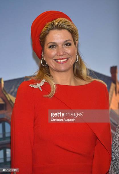 Queen Maxima attends Stage Entertainment at 'Theater Kehrwieder' on March 20 2015 in Hamburg Germany