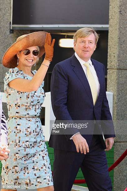 Queen Maxima of the Netherlands and King WillemAlexander of the Netherlands visit the Ascot Racecourse on Melbourne Cup Day on November 01 2016 in...