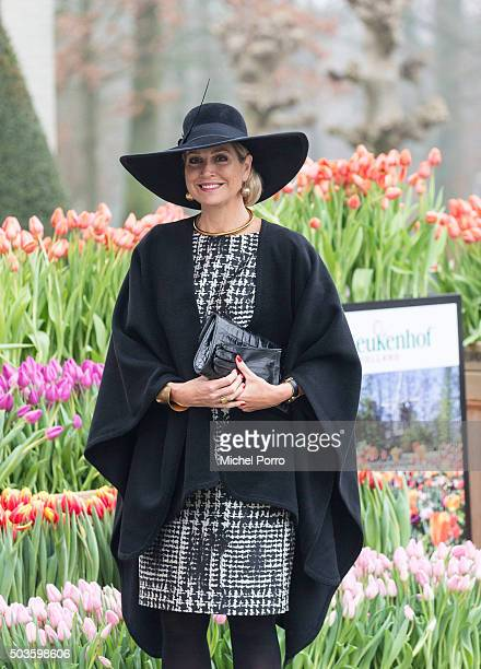 Queen Maxima of The Netherlands arrives to attend the award ceremony for the Tuinbouw Ondernemersprijs 2016 at the Keukenhof flower show on January 6...