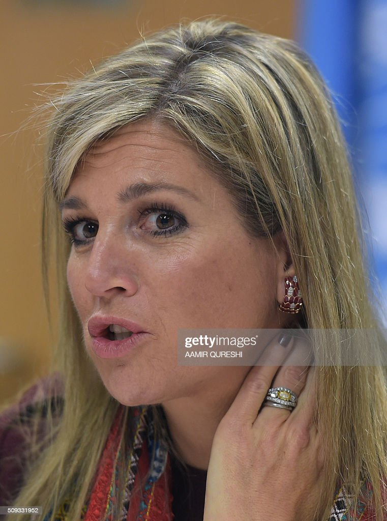 Queen Maxima of the Netherlands speaks with beneficiaries of the Kashf Foundation in Islamabad on February 10, 2016. Queen Maxima of the Netherlands, UN Secretary Generals Special Advocate (UNSGSA) for Inclusive Finance for Development, is in Pakistan on a three day official visit. AFP PHOTO / Aamir QURESHI / AFP / AAMIR QURESHI