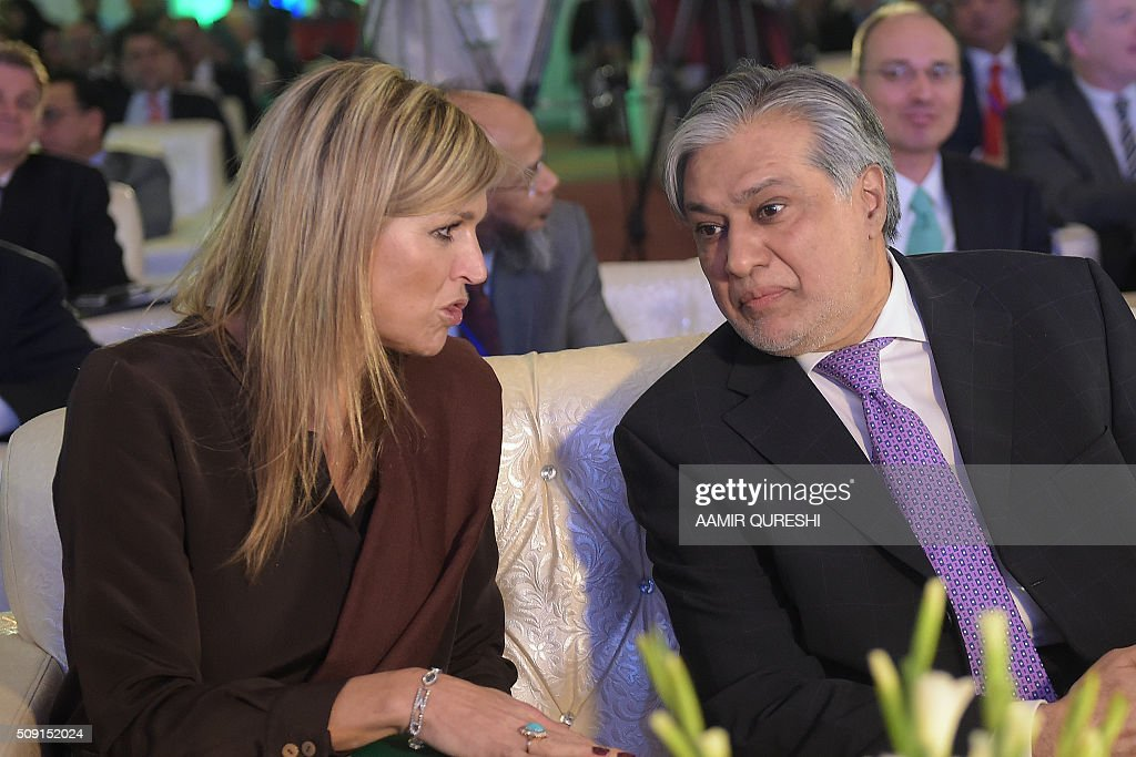 Queen Maxima (L) of the Netherlands speaks with Pakistani Finance Minister Ishaq Dar during a launching ceremony of the Universal Financial Assess Initiative in Islamabad on February 9, 2016. Queen Maxima of the Netherlands, UN Secretary Generals Special Advocate (UNSGSA) for Inclusive Finance for Development arrived in Islamabad on a three day official visit to Pakistan. AFP PHOTO / Aamir QURESHI / AFP / AAMIR QURESHI