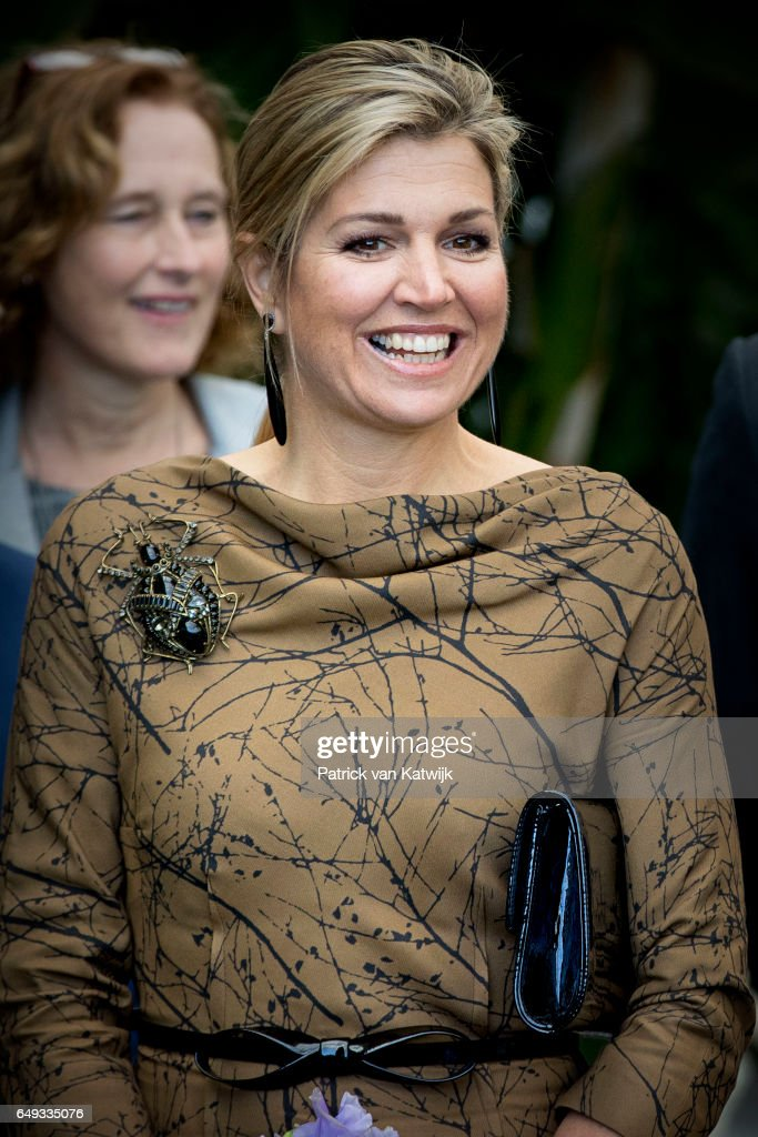queen-maxima-of-the-netherlands-visits-horticultural-company-koppert-picture-id649335076