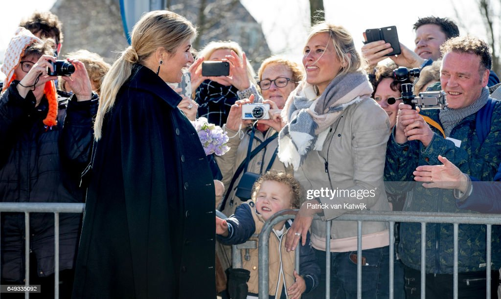 queen-maxima-of-the-netherlands-visits-horticultural-company-koppert-picture-id649335092