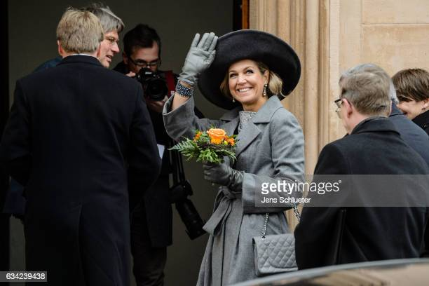 Queen Maxima of the Netherlands waves on February 8 2017 in Weimar Germany The royal couple will pay a working visiting from February 7 to 10 to the...
