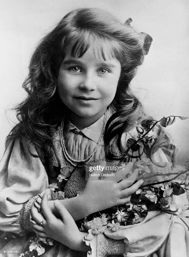 Queen Mother As A Little Girl.