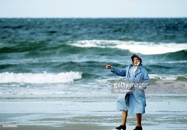 Queen Mother On Holiday In Norfolk