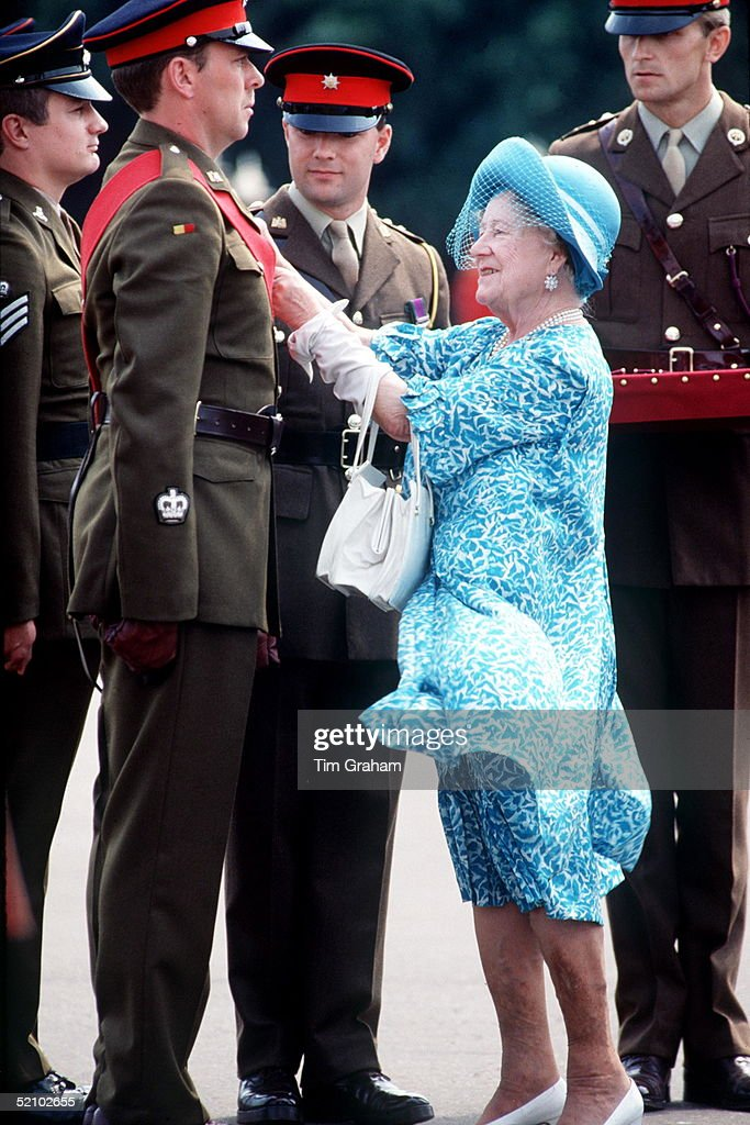Queen Mother Visiting The Royal Anglian Regiment At Roman Barracks, Colchester