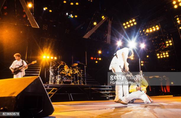 Queen plays Wembley stadium during the Magic tour on July 11 1986 in London United Kingdom 170612F1
