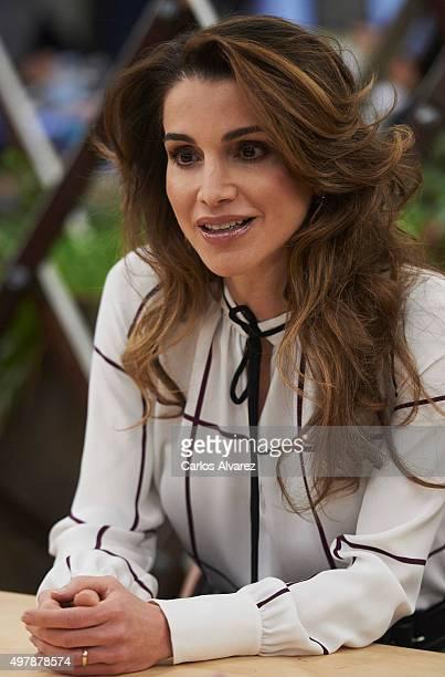 Queen Rania Abdullah of Jordan visits the Prado Media Lab cultural center on November 19 2015 in Madrid Spain
