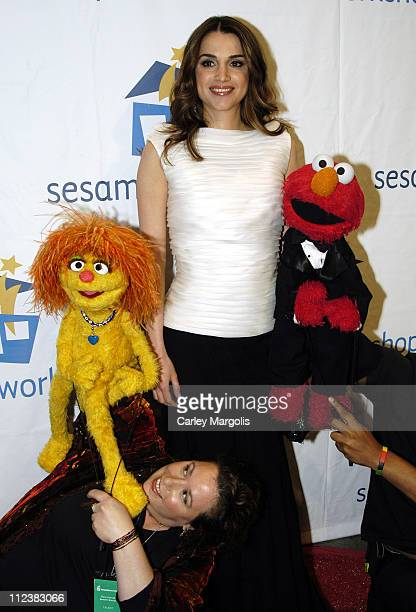 Queen Rania AlAbdullah of Jordan with Rosita and Elmo