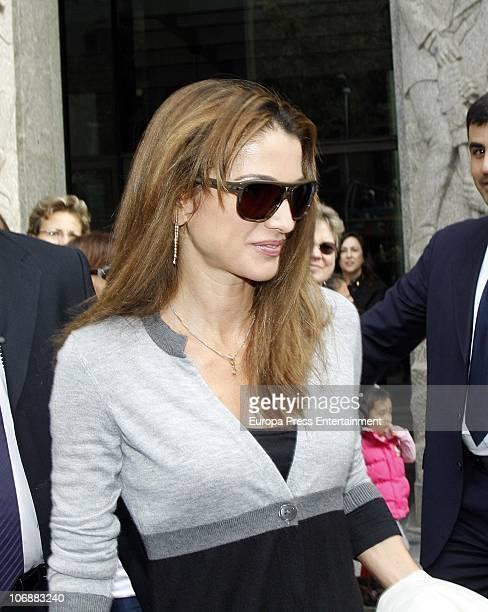 Queen Rania is seen leaving the 'Mandarin Hotel' on November 14 2010 in Barcelona Spain