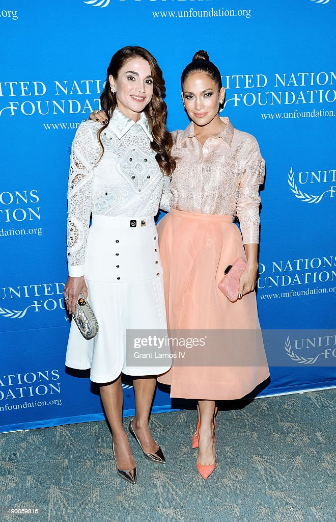 Queen Rania of Jordan (L) and Jennifer Lopez attend the UN Foundation's Gender Equality Discussion at The Four Seasons Restaurant on September 25, 2015 in New York City.