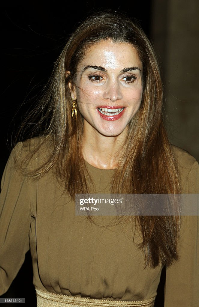 <a gi-track='captionPersonalityLinkClicked' href=/galleries/search?phrase=Queen+Rania+of+Jordan&family=editorial&specificpeople=160330 ng-click='$event.stopPropagation()'>Queen Rania of Jordan</a> arrives for a private dinner with the Prince of Wales and the Duchess of Cornwall on March 11, 2013 in Amman, Jordan. Prince Charles, the Prince of Wales and <a gi-track='captionPersonalityLinkClicked' href=/galleries/search?phrase=Camilla+-+Duchess+of+Cornwall&family=editorial&specificpeople=158157 ng-click='$event.stopPropagation()'>Camilla</a>, Duchess of Cornwall are on a nine day tour of the Middle East, during which they will be visiting Jordan, Qatar, Saudi Arabia and Oman.