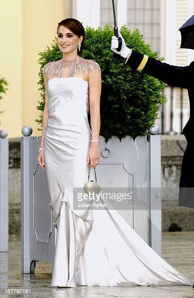 Queen Rania Of Jordan Attends A Gala Dinner At The El Pardo Royal Palace In Madrid