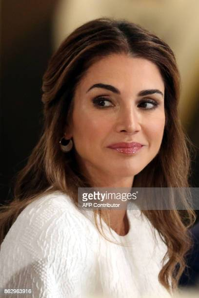 Queen Rania of Jordan attends a meeting the the GovernorGeneral of Australia and the Jordanian King at the Royal Palace in Amman on October 18 2017 /...