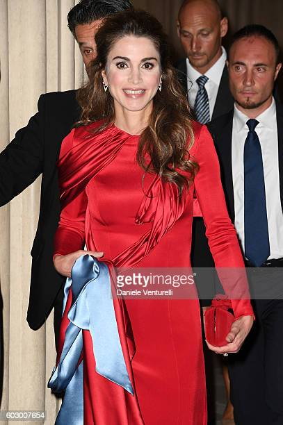 Queen Rania of Jordan attends the Celebrity Fight Night gala at Palazzo Vecchio as part of Celebrity Fight Night Italy benefiting The Andrea Bocelli...