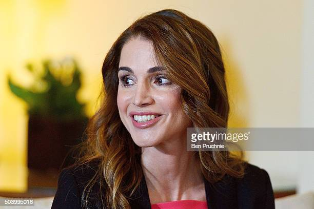 Queen Rania of Jordan meets British Prime Minister David Cameron at Number 10 Downing Street on January 8 2016 in London England The Prime Minister...