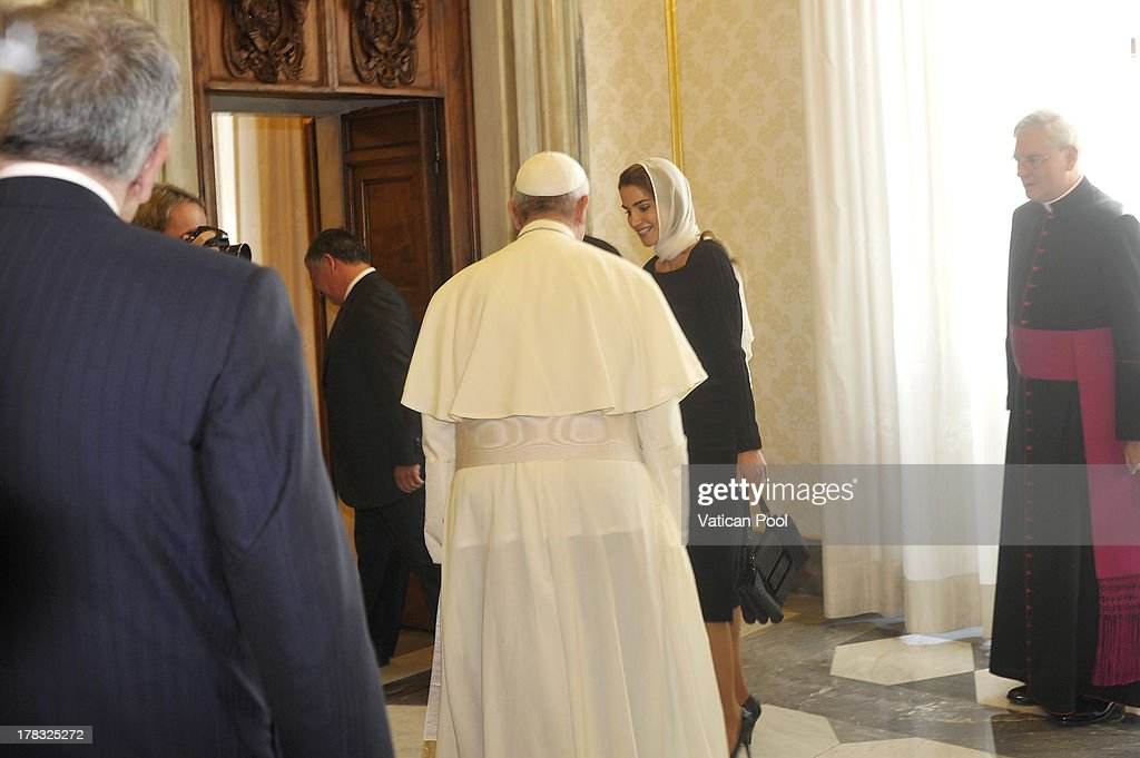 Queen Rania of Jordan meets with Pope Francis at the Pope's private library on August 29, 2013 in Vatican City, Vatican. The Pope was expected to talk about Jordan's sheltering of those fleeing the civil war in neighboring Syria.