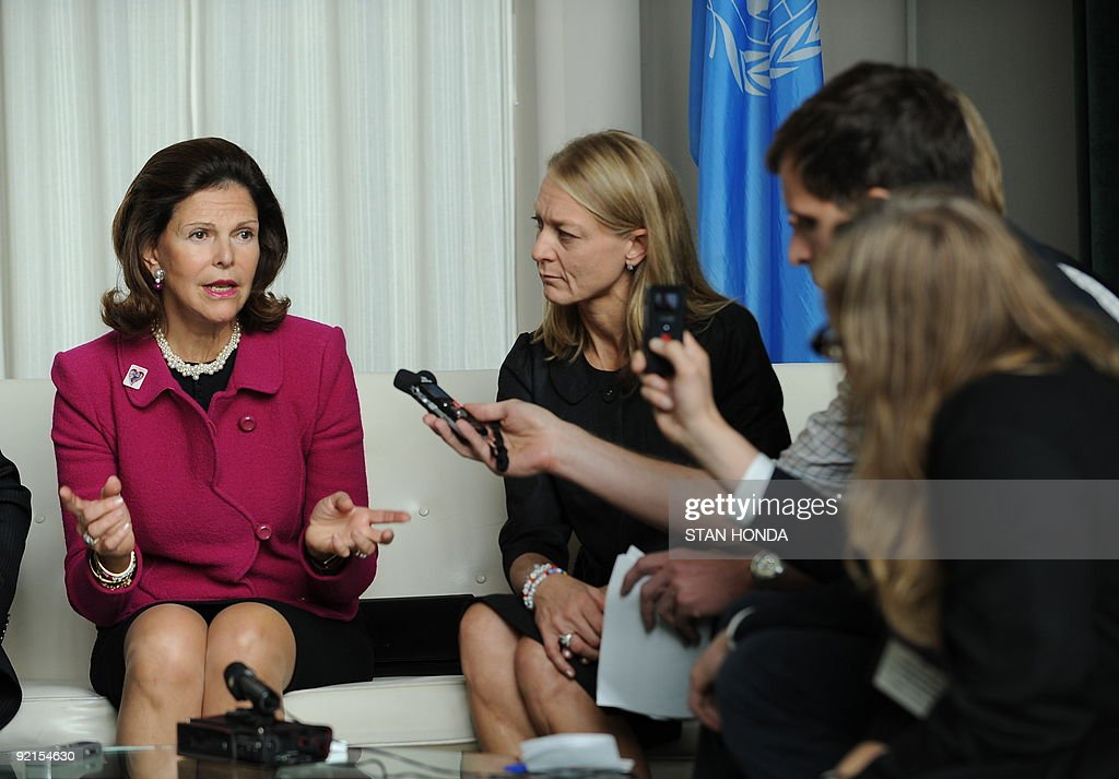 Queen Silva of Sweden (L) meets with the Swedish media October 20, 2009 at UN headquarters in New York. Queen Silva attended a conference, 'Sexual Abuse and Exploitation of Children - 10 years in the field', organized by the World Childhood Foundation with the United Nations Office for Partnerships. Queen Silva founded the Foundation. AFP PHOTO/Stan HONDA
