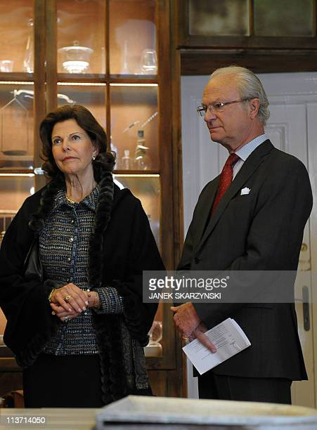Queen Silvia and King Carl XVI Gustaf of Sweden visit Warsaw's Maria SklodowskaCurie Museum devoted to the Polish born scientist who won two Nobel...