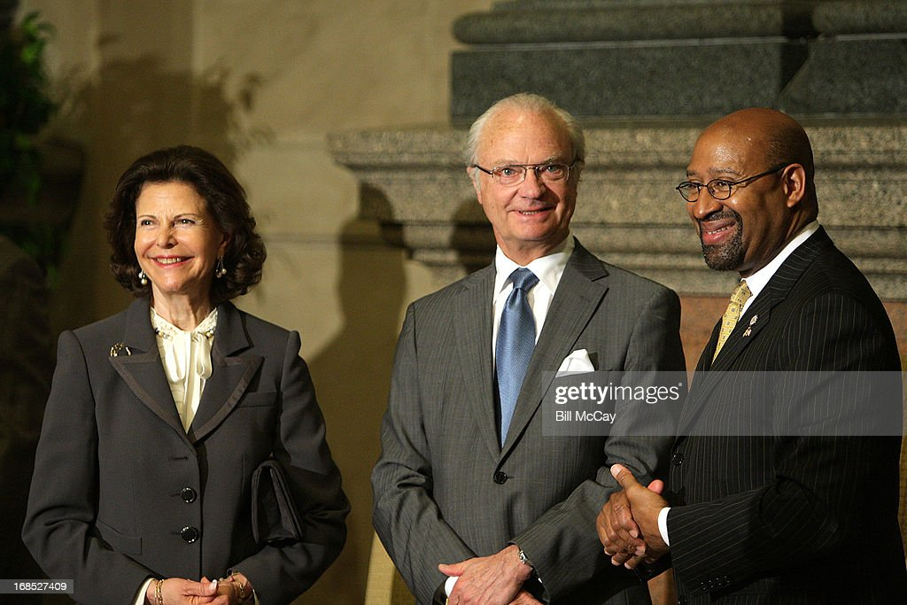 Queen Silvia Gustav and King XVI Carl Gustav of Sweden along with Philadelphia Mayor <a gi-track='captionPersonalityLinkClicked' href=/galleries/search?phrase=Michael+Nutter&family=editorial&specificpeople=4695146 ng-click='$event.stopPropagation()'>Michael Nutter</a> attend the ceremony at Philadelphia City Hall for the 375th Anniversary of the founding of New Sweden in what is now know as Delaware on May 10, 2013 in Philadelphia, Pennsylvania.
