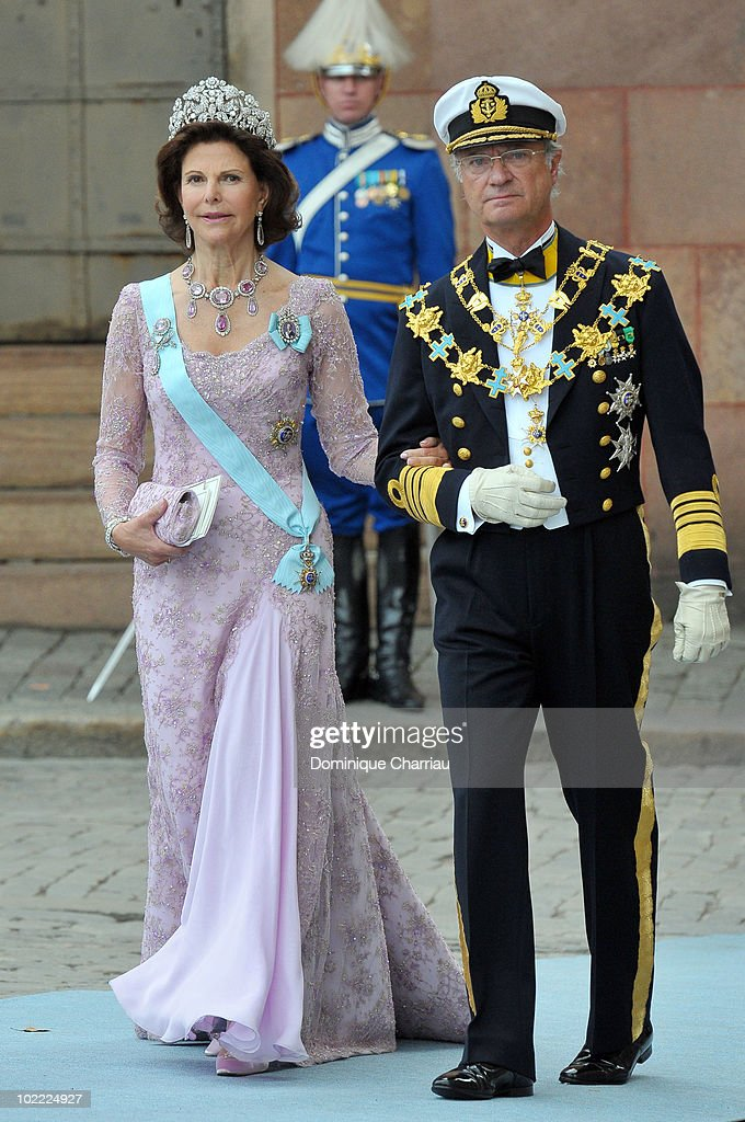 <a gi-track='captionPersonalityLinkClicked' href=/galleries/search?phrase=Queen+Silvia+of+Sweden&family=editorial&specificpeople=160332 ng-click='$event.stopPropagation()'>Queen Silvia of Sweden</a> and King Carl Gustaf of Sweden attend the wedding of Crown Princess Victoria of Sweden and Daniel Westling on June 19, 2010 in Stockholm, Sweden.