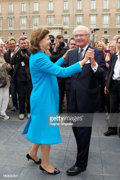 Queen Silvia of Sweden and King Carl XVI Gustaf of Sweden attend the City Of Stockholm Celebrations during King Carl Gustaf's 40th Jubilee on the...