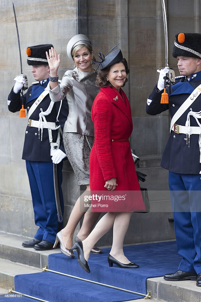 <a gi-track='captionPersonalityLinkClicked' href=/galleries/search?phrase=Queen+Silvia+of+Sweden&family=editorial&specificpeople=160332 ng-click='$event.stopPropagation()'>Queen Silvia of Sweden</a>(R) and Queen Maxima of The Netherlands wave to the crowd at the Royal Palace at the start of an official two day Visit Holland on April 4, 2014 in Amsterdam, Netherlands.