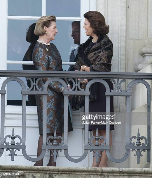 ** ** Queen Silvia Of Sweden And Queen Sonja Of Norway On A Balcony At Christian IX's Palace At Amalienborg To Celebrate 40 Years On The Throne Of...