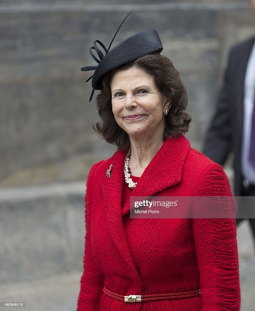 <a gi-track='captionPersonalityLinkClicked' href=/galleries/search?phrase=Queen+Silvia+of+Sweden&family=editorial&specificpeople=160332 ng-click='$event.stopPropagation()'>Queen Silvia of Sweden</a> at the start of an official two day visit to Holland on April 4, 2014 in Amsterdam, Netherlands.