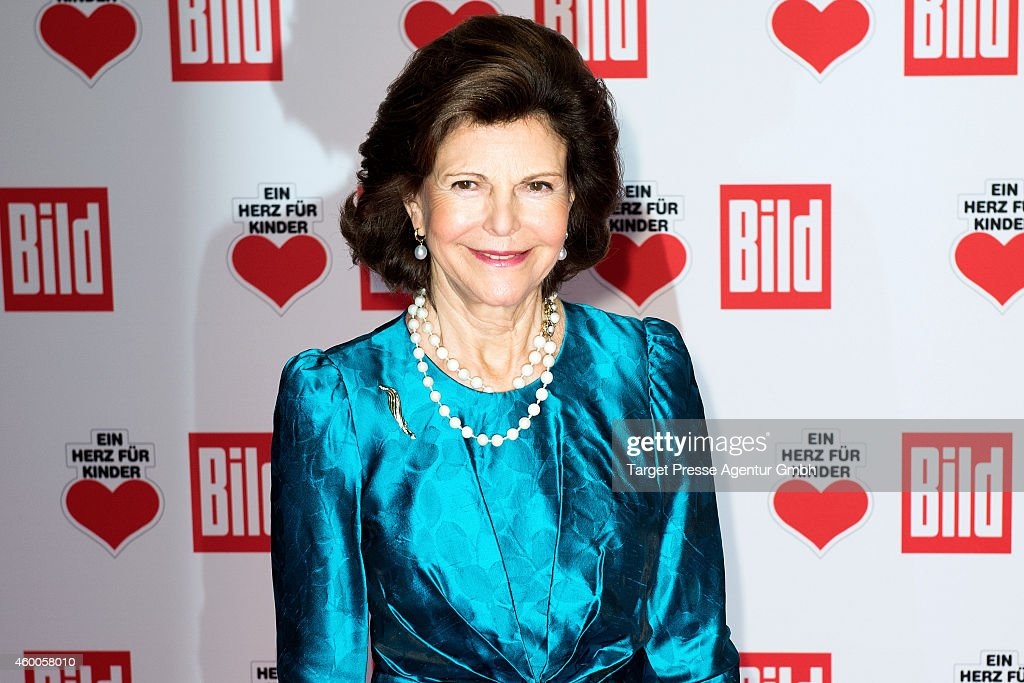 <a gi-track='captionPersonalityLinkClicked' href=/galleries/search?phrase=Queen+Silvia+of+Sweden&family=editorial&specificpeople=160332 ng-click='$event.stopPropagation()'>Queen Silvia of Sweden</a> attends the Ein Herz Fuer Kinder Gala 2014 at Tempelhof Airport on December 6, 2014 in Berlin, Germany.