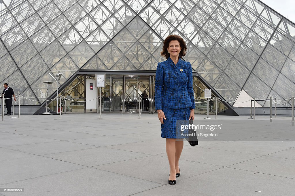 Queen Silvia of Sweden attends the exhibition 'Un Suedois A Paris : La Collection Tessin' at Musee du Louvre on October 18, 2016 in Paris, France.