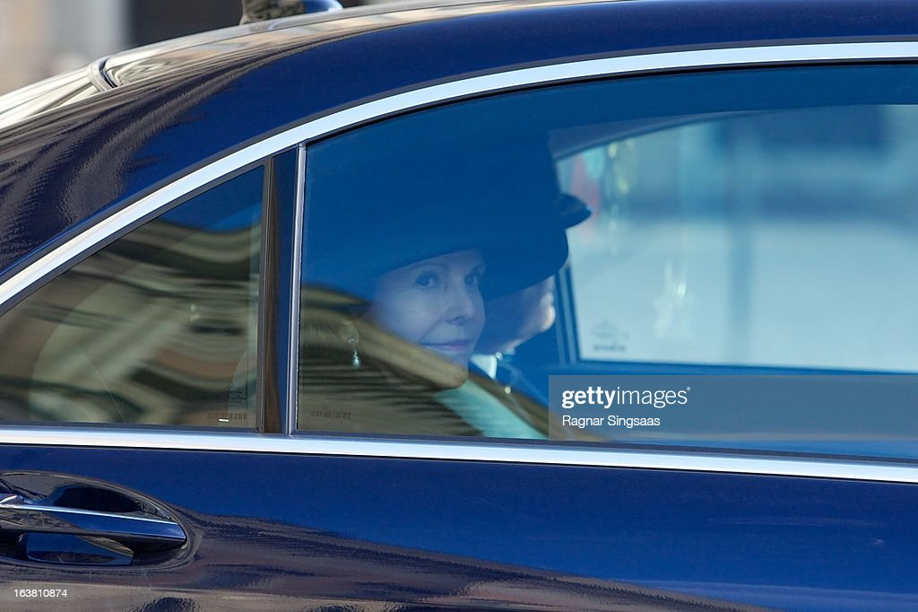 <a gi-track='captionPersonalityLinkClicked' href=/galleries/search?phrase=Queen+Silvia+of+Sweden&family=editorial&specificpeople=160332 ng-click='$event.stopPropagation()'>Queen Silvia of Sweden</a> attends the funeral of Princess Lilian Of Sweden on March 16, 2013 in Stockholm, Sweden.