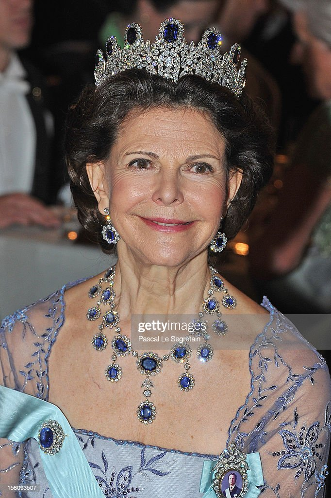 <a gi-track='captionPersonalityLinkClicked' href=/galleries/search?phrase=Queen+Silvia+of+Sweden&family=editorial&specificpeople=160332 ng-click='$event.stopPropagation()'>Queen Silvia of Sweden</a> attends the Nobel Banquet after the 2012 Nobel Peace Prize Ceremony at Town Hall on December 10, 2012 in Stockholm, Sweden.