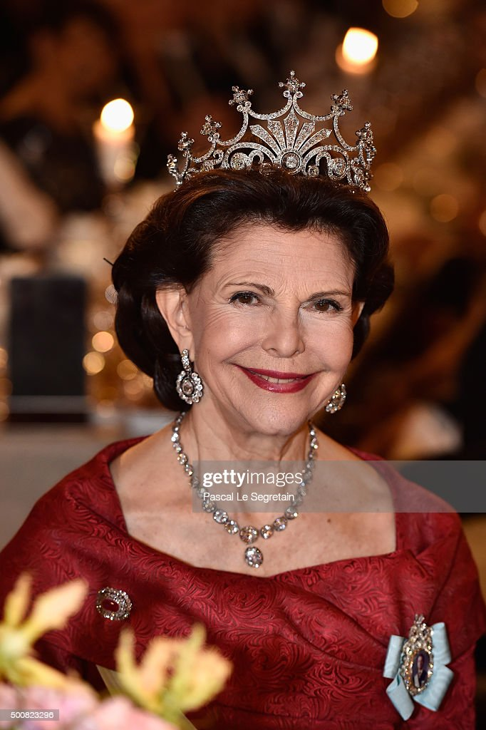 <a gi-track='captionPersonalityLinkClicked' href=/galleries/search?phrase=Queen+Silvia+of+Sweden&family=editorial&specificpeople=160332 ng-click='$event.stopPropagation()'>Queen Silvia of Sweden</a> attends the Nobel Prize Banquet 2015 at City Hall on December 10, 2015 in Stockholm, Sweden.