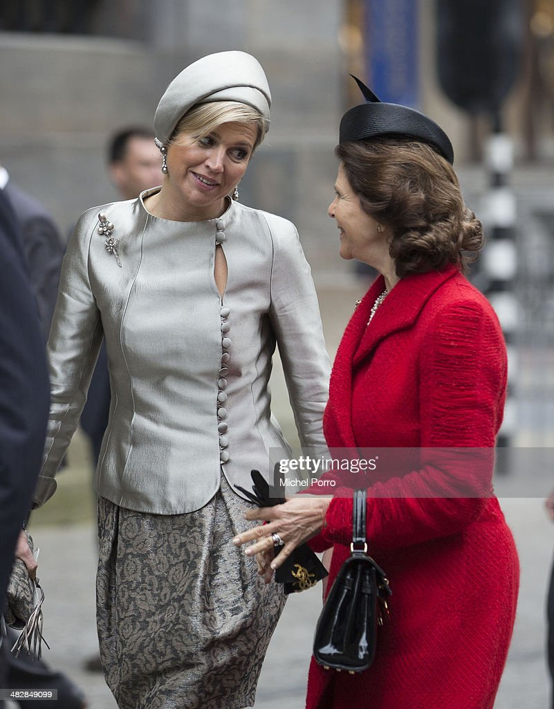 <a gi-track='captionPersonalityLinkClicked' href=/galleries/search?phrase=Queen+Silvia+of+Sweden&family=editorial&specificpeople=160332 ng-click='$event.stopPropagation()'>Queen Silvia of Sweden</a> (R) Queen Maxima of The Netherlands walk at the start of an official two day visit to Holland on April 4, 2014 in Amsterdam, Netherlands.