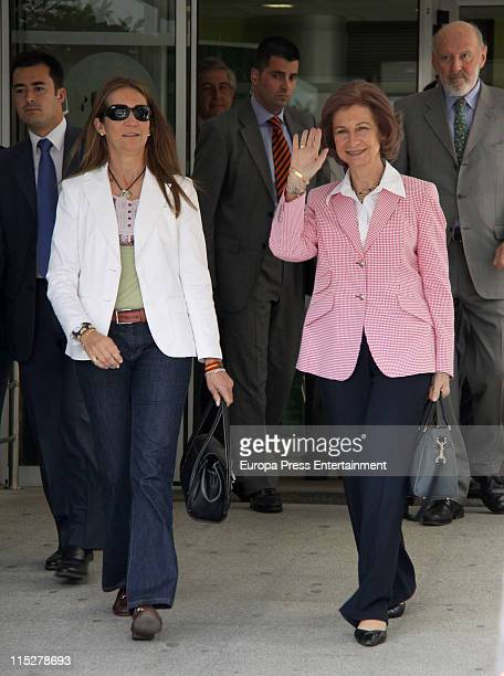 Queen Sofia and Princess Elena visit King Juan Carlos of Spain at USP San Jose Hospital on June 4 2011 in Madrid Spain King Carlos has undergone knee...